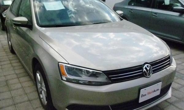 Volkswagen Jetta Frente 1