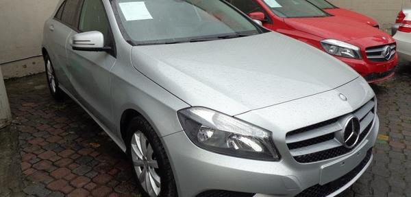 Mercedes Benz Clase A Lateral derecho 16
