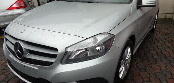 Mercedes Benz Clase A Lateral derecho 14