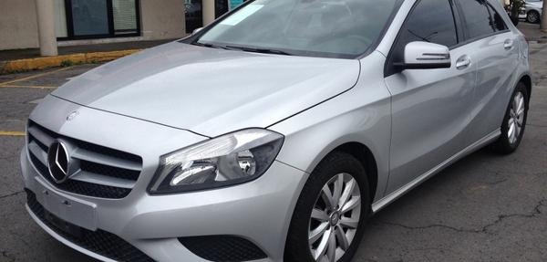 Mercedes Benz Clase A Lateral izquierdo 8
