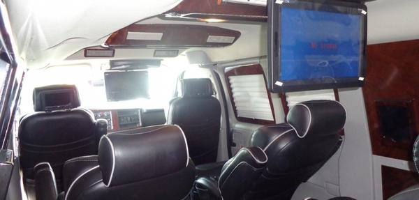 Chevrolet Express Lateral izquierdo 4