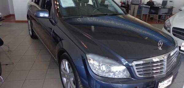 Mercedes Benz Clase C Interior 9