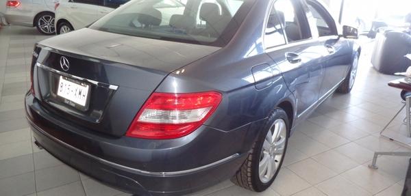 Mercedes Benz Clase C Interior 6