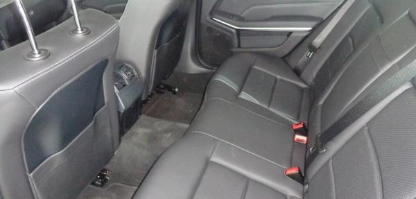 Mercedes Benz Clase E Lateral izquierdo 3