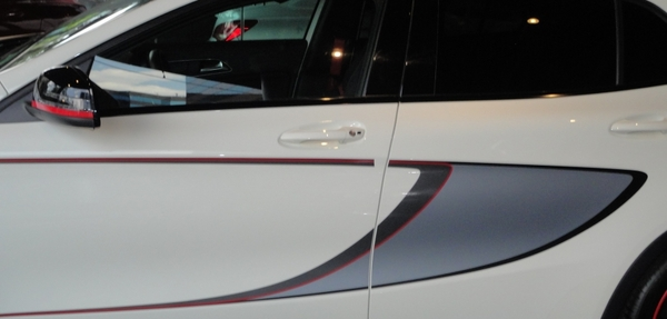 Mercedes Benz Clase GLA Lateral izquierdo 11