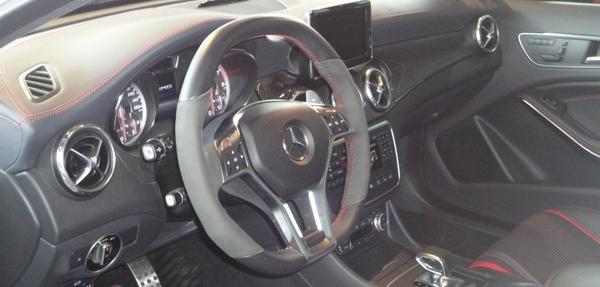 Mercedes Benz Clase GLA Interior 4