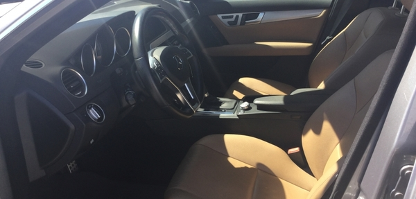 Mercedes Benz Clase C Interior 2