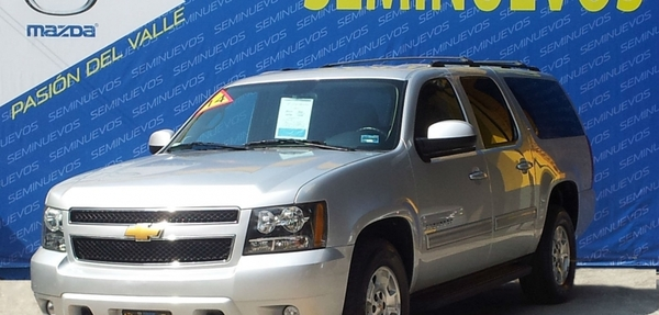 Chevrolet Suburban Atrás 7