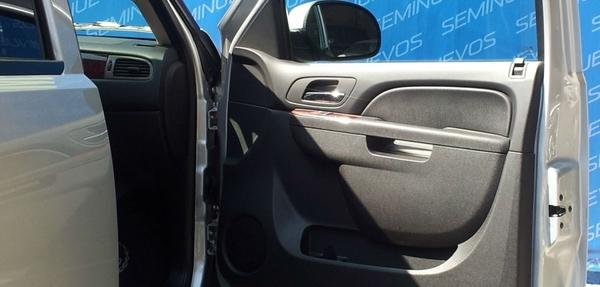 Chevrolet Suburban Frente 1