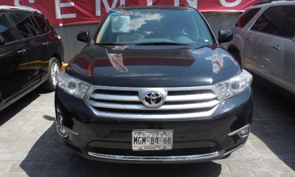 Toyota Highlander Lateral derecho 15