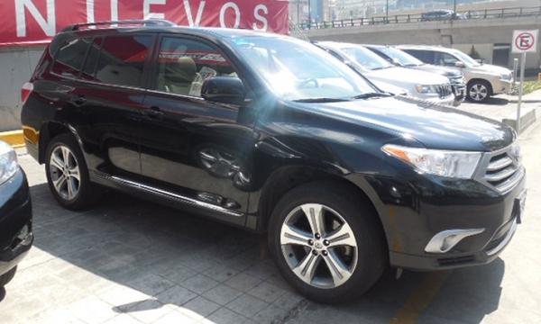 Toyota Highlander Lateral derecho 13