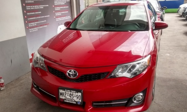 Toyota Camry Lateral izquierdo 15