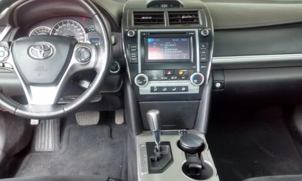 Toyota Camry Arriba 8