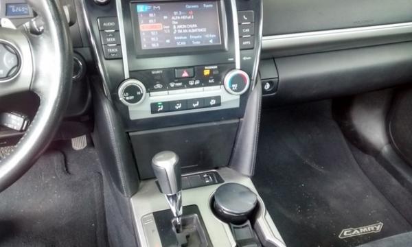 Toyota Camry Interior 7