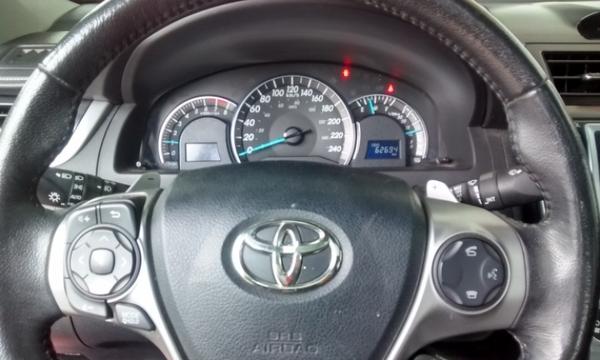 Toyota Camry Arriba 6