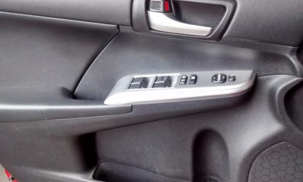 Toyota Camry Lateral izquierdo 4