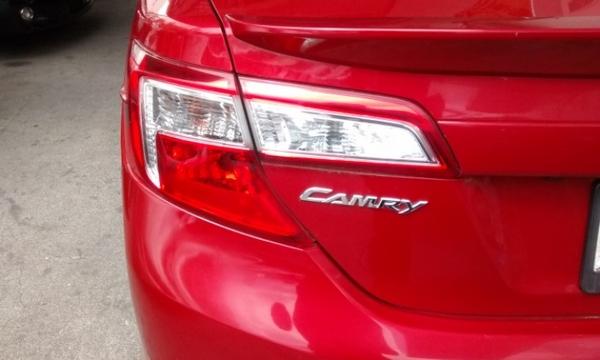 Toyota Camry Atrás 1