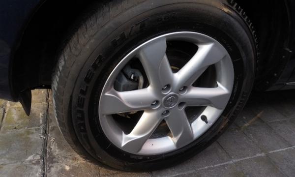 Nissan Murano Lateral derecho 1