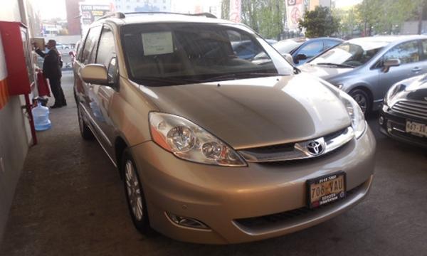Toyota Sienna Asientos 12