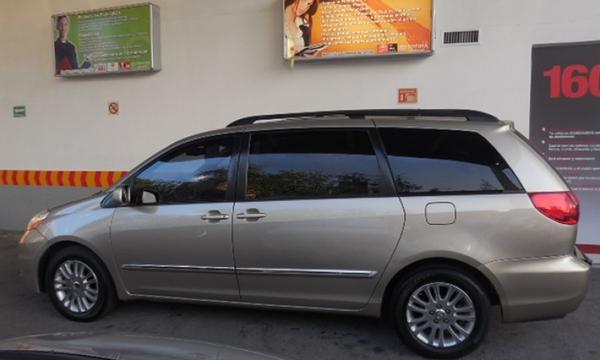 Toyota Sienna Interior 10