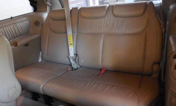 Toyota Sienna Lateral derecho 6