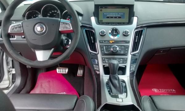 Cadillac CTS Interior 8