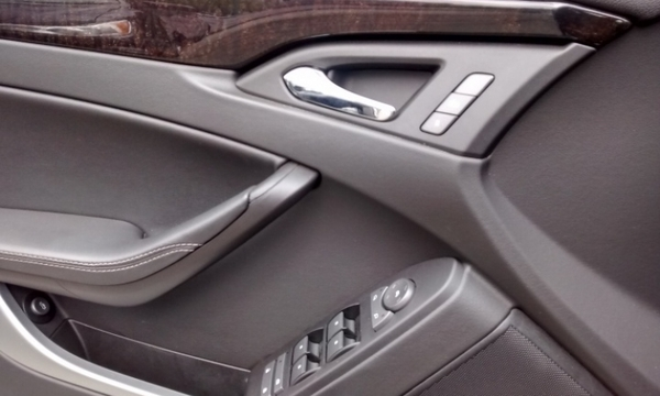 Cadillac CTS Llantas 3
