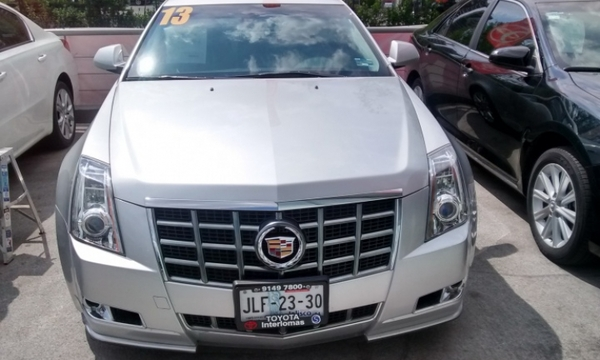 Cadillac CTS Lateral derecho 18
