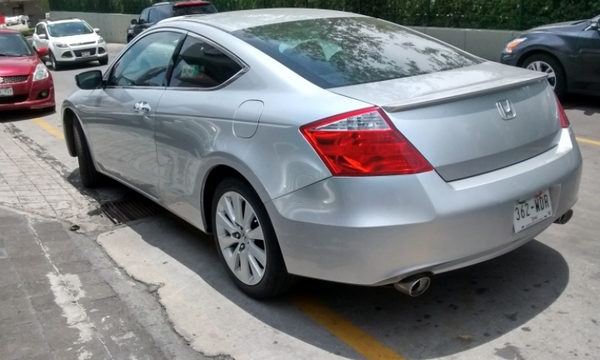 Honda Accord Coupe Lateral derecho 10