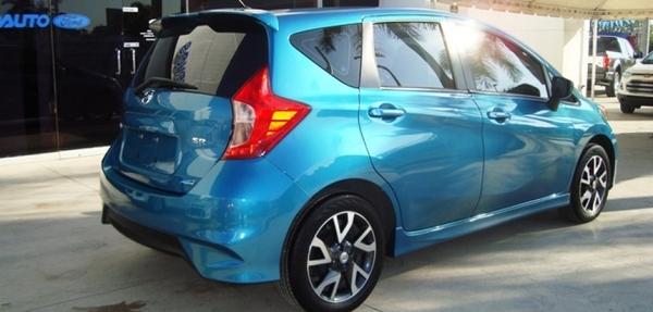 Nissan Note Lateral izquierdo 14