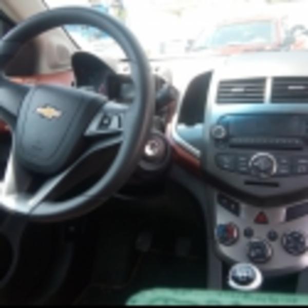 Chevrolet Sonic Asientos 6