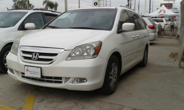 Honda Odyssey Lateral izquierdo 2