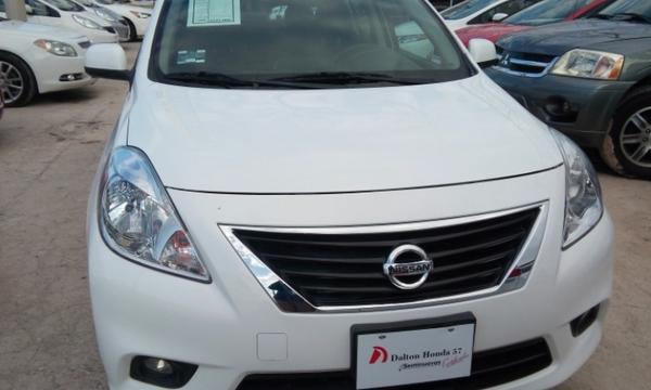 Nissan Versa Llantas 1