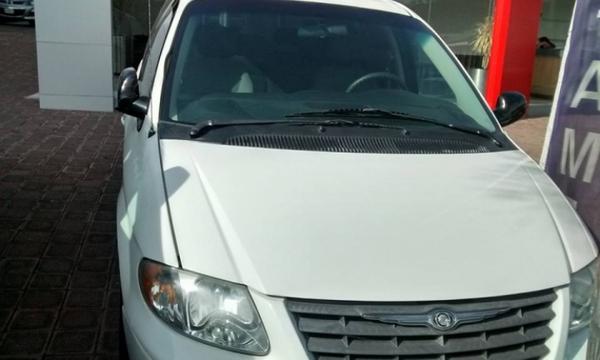 Chrysler Voyager Interior 4