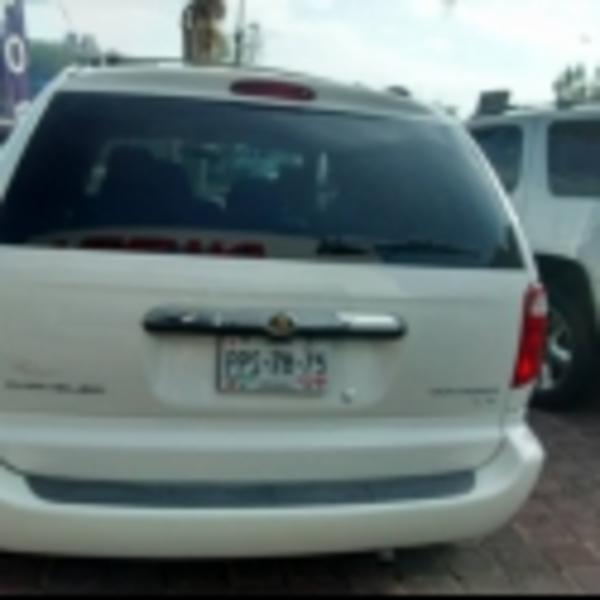 Chrysler Voyager Frente 3