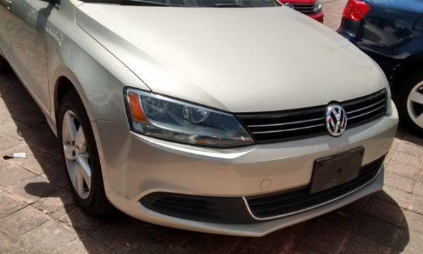 Volkswagen Jetta Frente 4