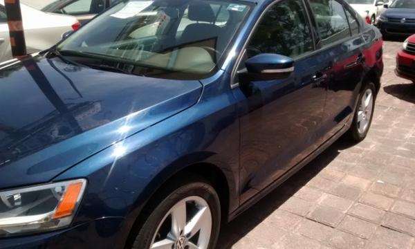 Volkswagen Jetta Frente 9