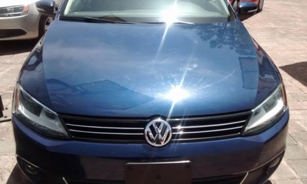 Volkswagen Jetta Lateral izquierdo 8