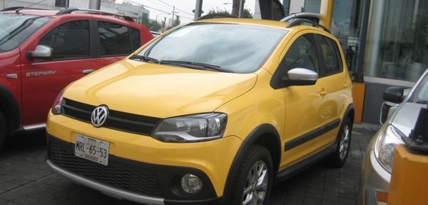 Volkswagen Crossfox Lateral derecho 11