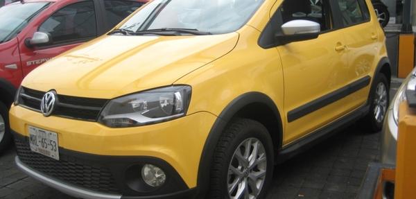 Volkswagen Crossfox Lateral izquierdo 1