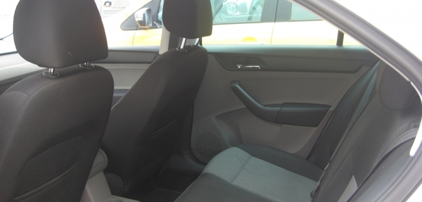 SEAT Toledo Lateral derecho 9