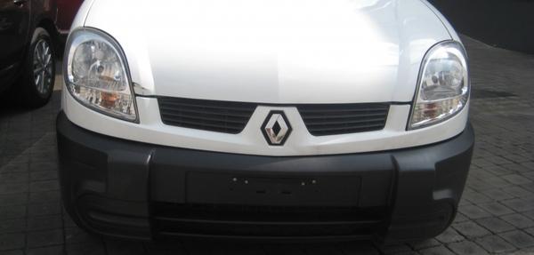 Renault Kangoo Frente 17