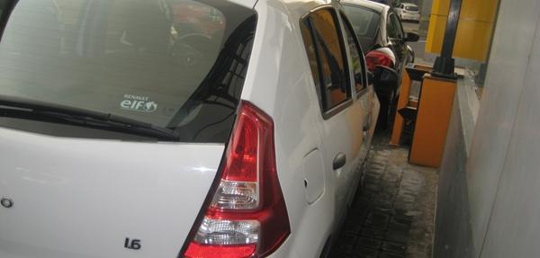 Renault Sandero Atrás 6