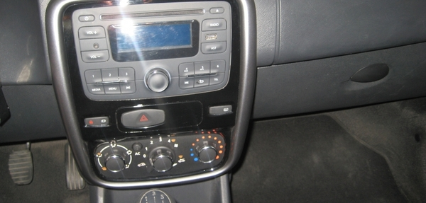Renault Sandero Arriba 5