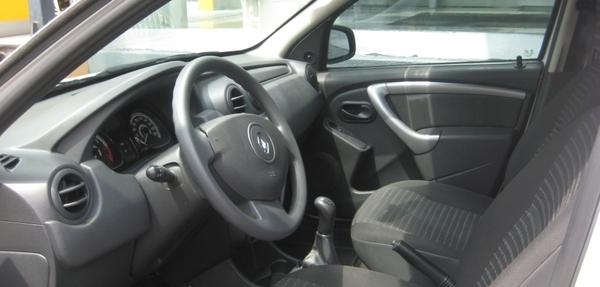 Renault Sandero Lateral derecho 4