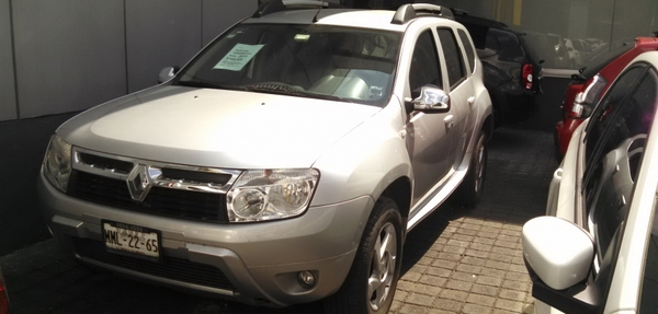 Renault Duster Lateral derecho 5