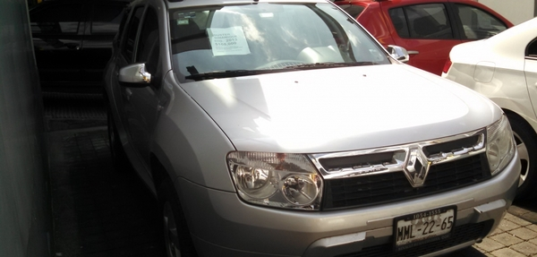 Renault Duster Lateral derecho 3