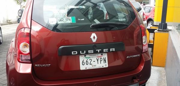 Renault Duster Atrás 9