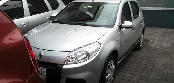 Renault Sandero Lateral izquierdo 10