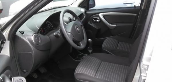 Renault Sandero Interior 9